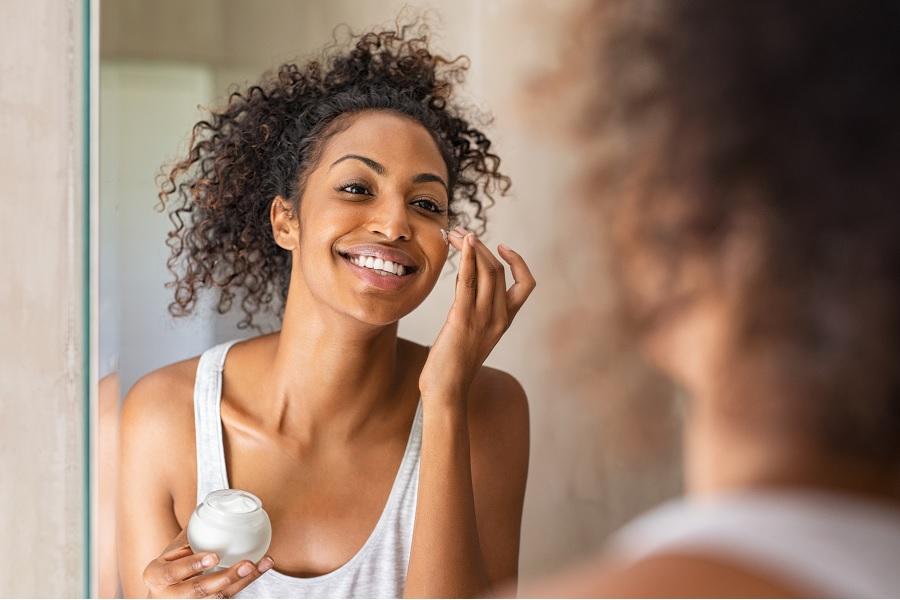 Astuces beauté : prendre soin de sa peau et de ses cheveux avec un yaourt